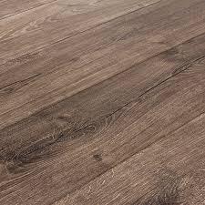 envique maison oak 12 mm laminate flooring sle