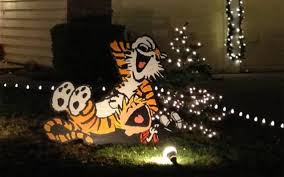 Animated Christmas Lawn Decorations by These Amazing Christmas Lawn Decorations Are Very