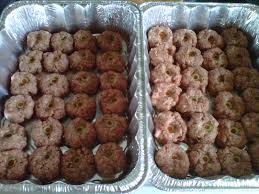 Eyeball Appetizers For Halloween by Halloween Appetizers Eyeball Meatballs Just Regular Old Meatball