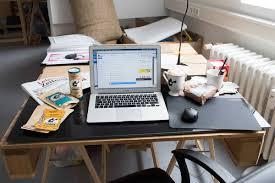 B O Schreibtisch So Un Ordentlich Sehen Schreibtische Von Gründern Und Ceos Aus