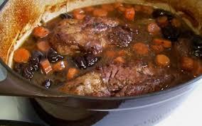 cuisiner un filet mignon de porc en cocotte recette filet mignon au sirop de liège bière et pruneaux 750g
