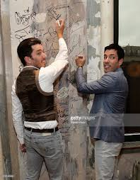 Drew And Jonathan Scott Aol Build Presents The Property Brothers Jonathan And Drew Scott