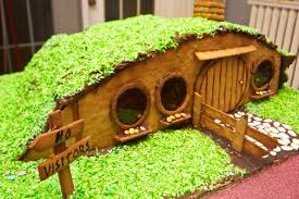 Hobbit Hole Washington by The Semi Definitive List Of Nerdiest Gingerbread U201chouses U201d 23