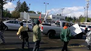 Truck With Rebel Flag Protesters Berate Truck With Confederate Flag At Extreme Deals