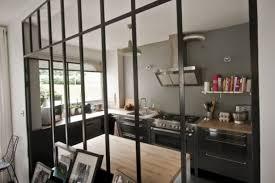 cuisine atelier d artiste cloison séparation cuisine salon coulissante type atelier d artiste