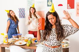 12 tips and tricks for pulling off the best friendsgiving ever