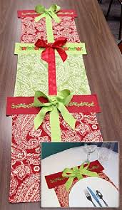 table runner or placemats cute idea for a table runner or placemats that look like stacked