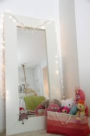 spiegel für kinderzimmer zauberhaftes schlafzimmer in zarten farben für mädchen