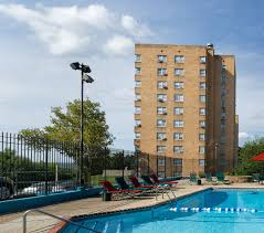 quality hill towers apartments in kansas city mo