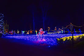 pyramid hill christmas lights holiday lights on the hill north cincinnati christmas