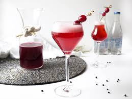 prep this easy thanksgiving cranberry cocktail in advance
