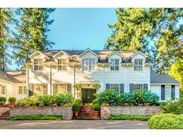 colonial homes for sale suburbs of portland oregon
