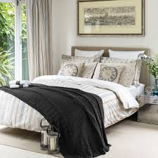 Traditional Bedding Bedroom Black And White Striped Bedding With Gold Heart