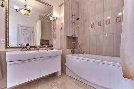 desain kamar mandi transparan ini 5 kiat agar kamar mandi terkesan luas lifull jasa blog