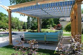 Lattice Pergola Roof by Retractable Pergola Canopy In Oakville Shadefx Canopies
