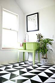 Small Or Large Tiles For Small Bathroom Patterned Bathroom Floor Tiles U2013 Koisaneurope Com