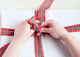 tie ribbon living well 4 secrets to tying a bow design