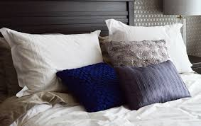 feminine bedroom decor do it like a woman smooth decorator just keep in mind that feminine bedrooms feature gentle rather than straight lines