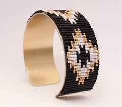 manchette cache pot manchette en perles miyuki tissées coloris noir blanc et doré