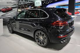 porsche cayenne turbo s horsepower 2015 porsche cayenne turbo s presented in detroit with 570 hp