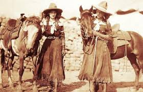 a history of the wild west wardrobe