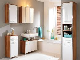 how to decorating a contemporary bathroom with light fixtures