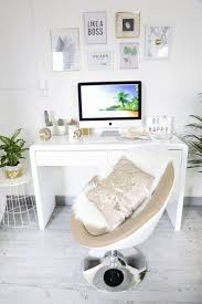 Amenager Bureau Dans Salon Best 25 Bureau Salon Ideas On Pinterest Coin Bureau Bureau