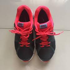 Sepatu Nike Running Wanita nike running shoes sepatu olahraga wanita preloved fesyen wanita