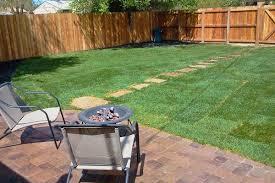 how to landscape a fenced backyard u2013 izvipi com