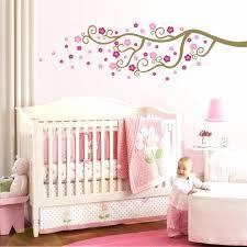 deco mural chambre bebe tapis persan pour deco de chambre bebe fille élégant deco mural
