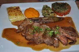 cuisiner une selle d agneau le selle d agneau tranchee a wonderful dish picture of le