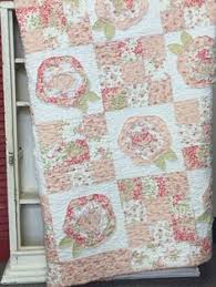 by pretty ditty french roses applique quilt raw edges on