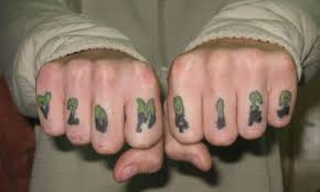 30 great knuckle tattoos creativefan