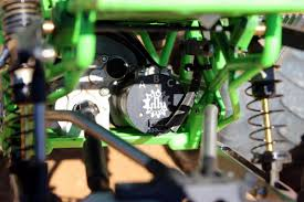 rc monster truck freestyle videos pro line puts the u201cdigger u201d in axial racings smt10 grave digger