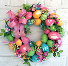 how to make an easter egg wreath weekly inspiration easter wreaths door decorations hello