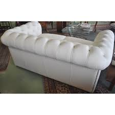 canapé chesterfield blanc canapé chesterfield 2 places neuf en cuir