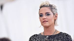 pictures pf frosted hair kristen stewart debuts new frosted tips hair stylecaster