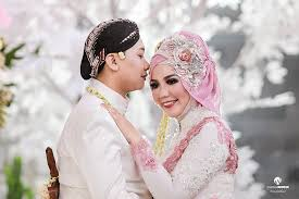 wedding dress jogja the wedding anggra bayu by warna indonesia photography