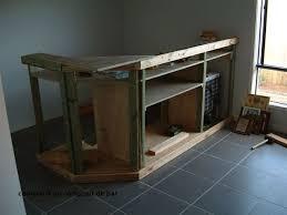 fabriquer un comptoir de cuisine en bois construire un comptoir de bar faire bar en bois soi mªme tebzzone