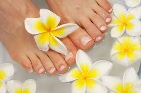 get the perfect pedicure 6 easy steps to get your feet and nails