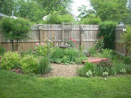 image of backyard landscaping ideas for modern home bedroom
