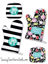 great house warming gift monogrammed personalized oven mitts and pot holders make for a