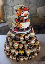 wedding cake and cupcakes 2 tier wedding cakes with cupcakes cupcake wedding cakes