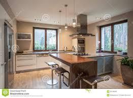cuisine travertin maison de travertin vue d une cuisine photo stock image du