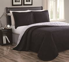 Bedspreads And Coverlets Quilts Cressida Plum Gray Reversible Bedspread Quilt Set