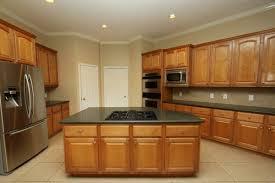 cuisine encastré un four encastrable noir pour votre cuisine et moderne