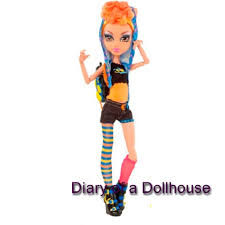 Howleen Wolf 13 Wishes Howleen Wolf Little Sister Of Clawdeen Wolf Diary Of A Dollhouse
