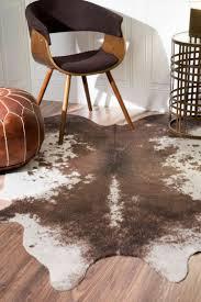 Einrichtung Teppich Wohnzimmer Kuhfell Teppich Als Deko In Der Einrichtung Für Beliebige