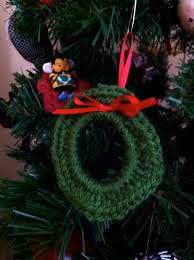 crochet wreath tutorial from milk jug rings the possibilities are