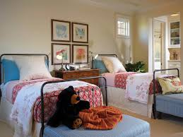 cape cod style bedroom with twin beds 48259 house decoration ideas